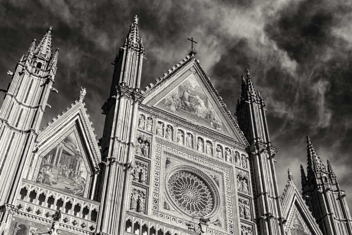 monochrome, architecture, façade, cathédrale, église catholique, tour, point de repère