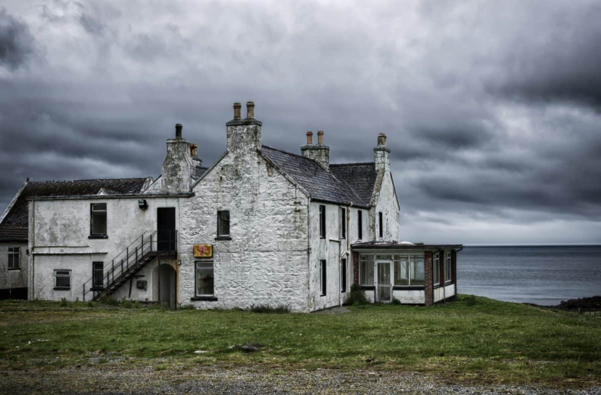 building, house, sky, grass, sea, cloud