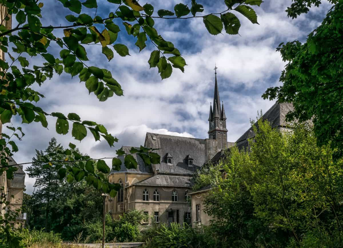 คริสตจักร เมือง สถาปัตยกรรม ต้นไม้ ปราสาท โบสถ์ ทาวเวอร์
