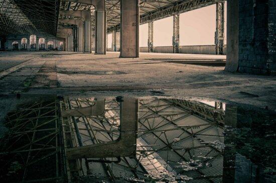 abandonné, l'architecture, de l'eau, de réflexion, de construction, acier