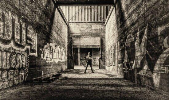 čovjek, crno-bijeli, zid, grafit, retro, beton, arhitektura