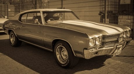 vehículo automotriz, monocromo, clásico, coche, automóvil, sedán, oldtimer, automóvil
