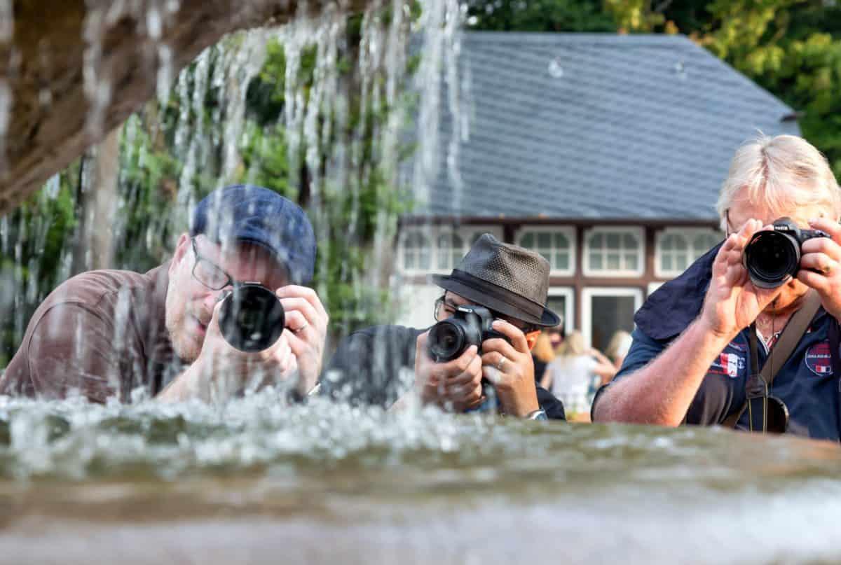 stile di vita, persone, Fontana, uomo, fotografo, macchina fotografica, acqua