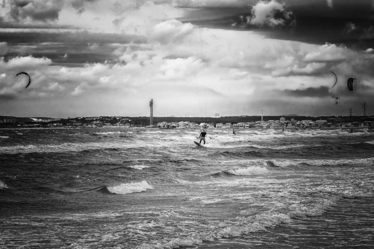 gens, paysage marin, mer, eau, bord de mer, monochrome, plage, océan