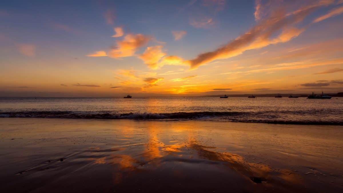 日没、水、ビーチ、太陽、海、空、日の出