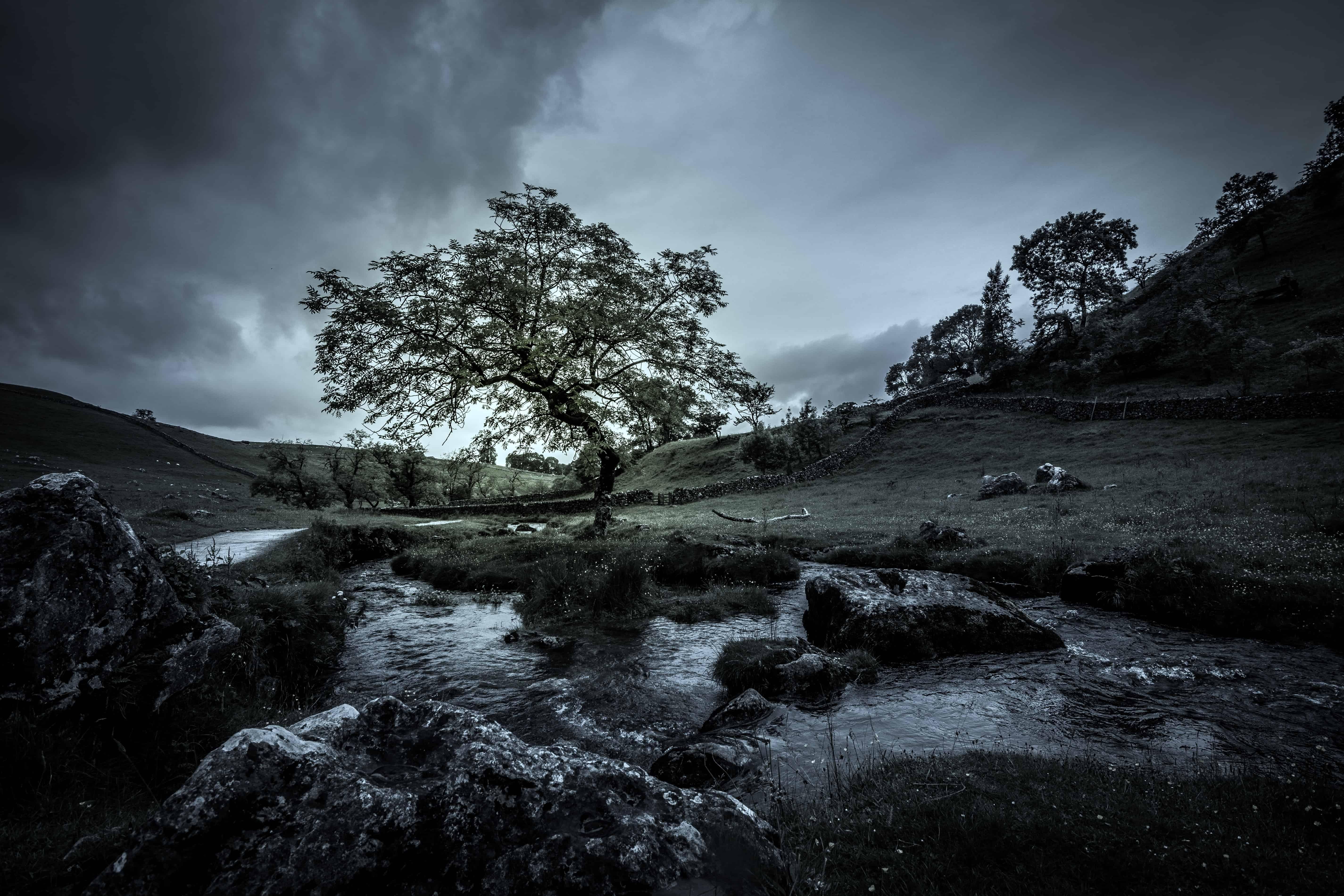 Foto gratis bianco e nero acqua montagna fiume for Disegni bianco e nero paesaggi