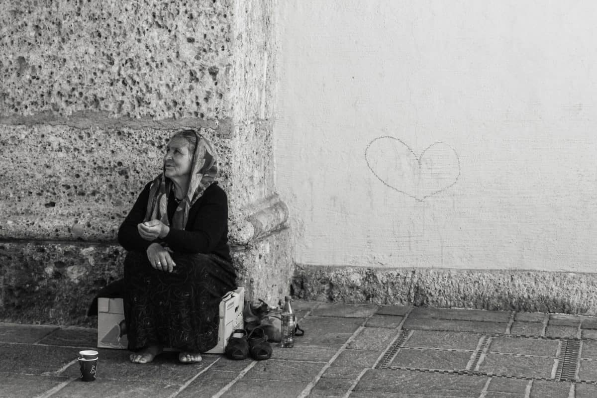 Frau, Straße, Obdachlose, Gebäude, Stadt, Straße, Monochrom