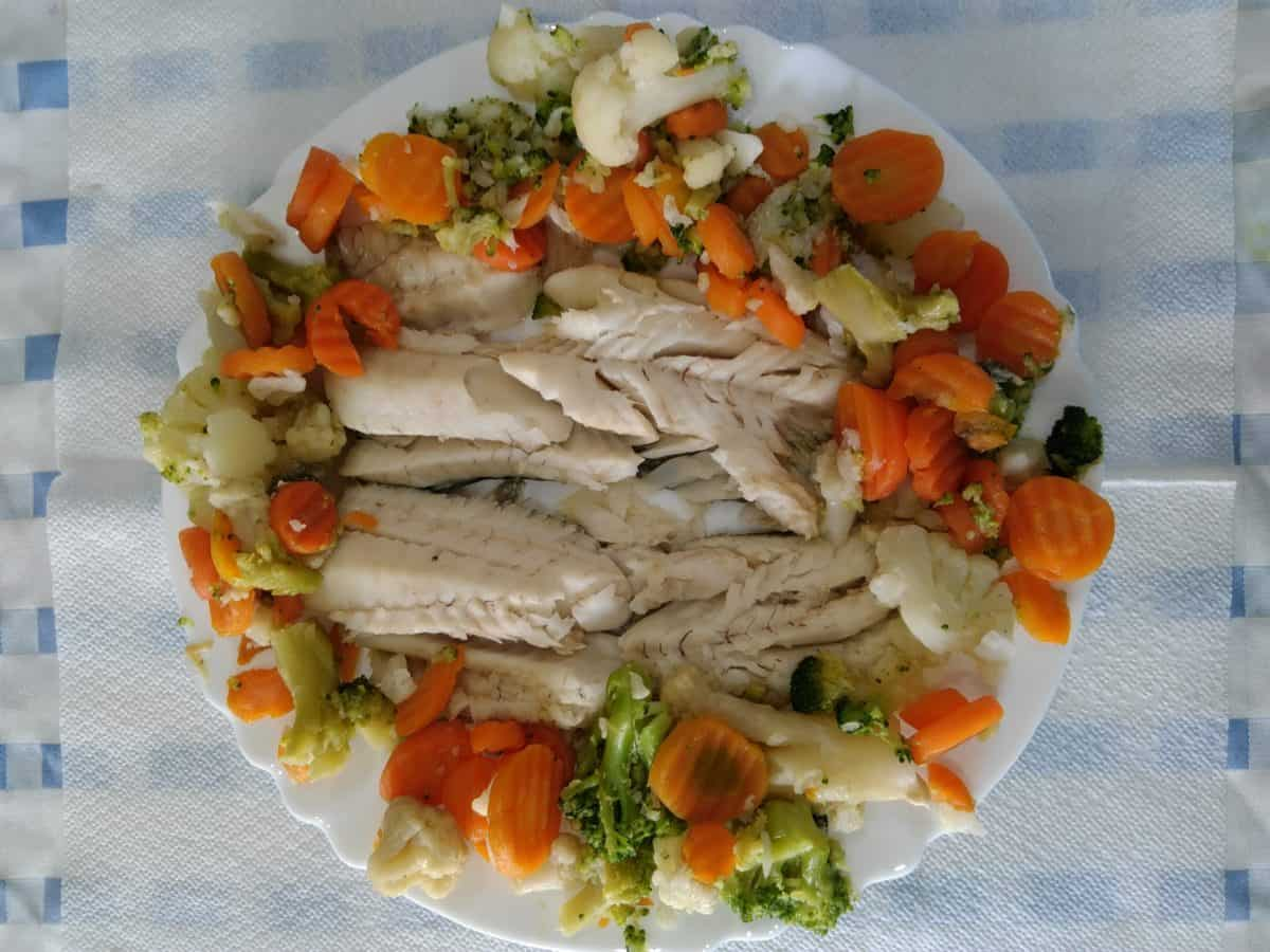 dinner, hake fish, food, seafood, lunch, salad, dish, vegetable, meal, delicious