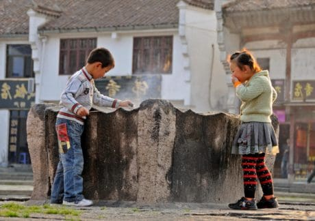 fuente, niñez, niños, calle, persona, al aire libre,