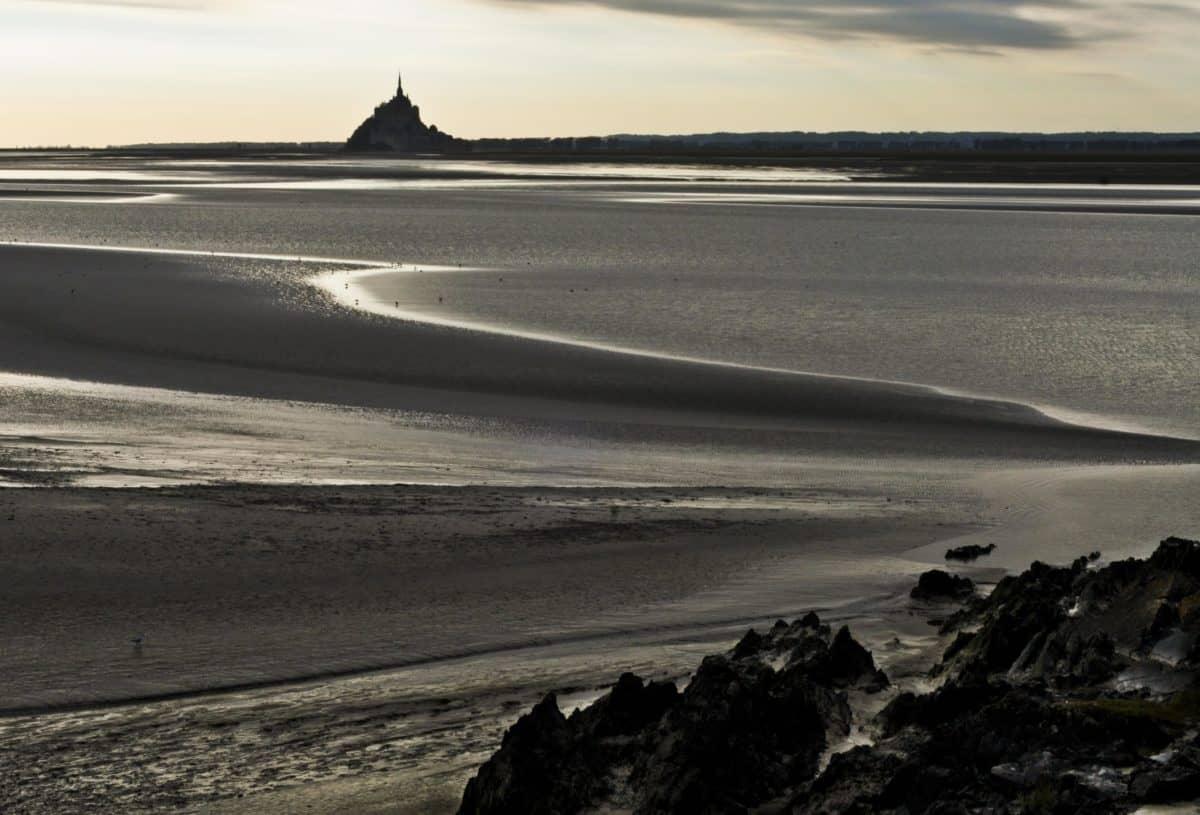 Monochrom, Sonnenuntergang, Meer, Strand, Wasser, Sand, Landschaft, Strand