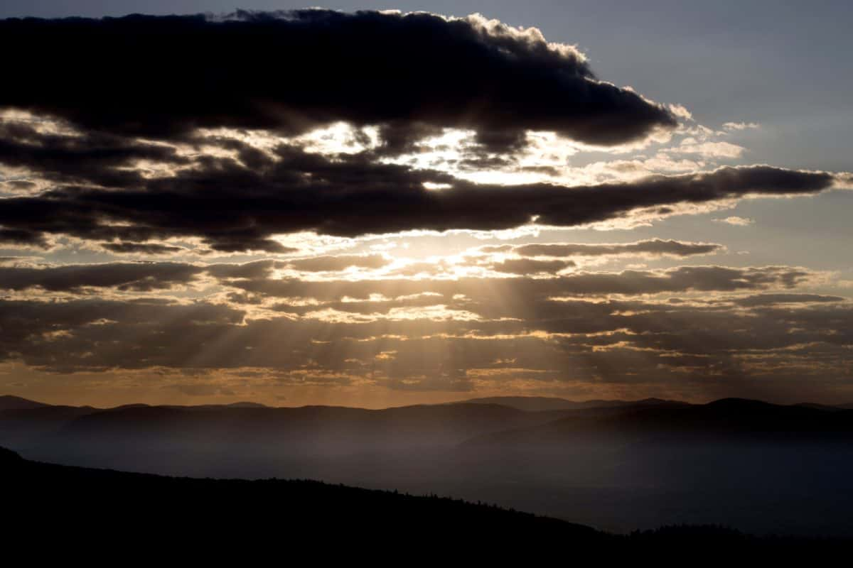 слънчевите лъчи, тъмно, слънцето, пейзаж, здрач, природа, зората, залез, небе, океан, бреговата линия