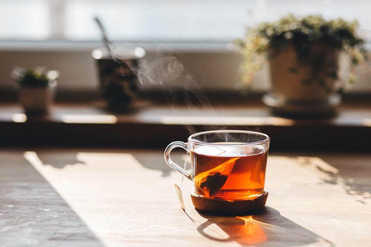 fenêtre, tasse de thé, table, petit déjeuner, boisson, verre, boisson