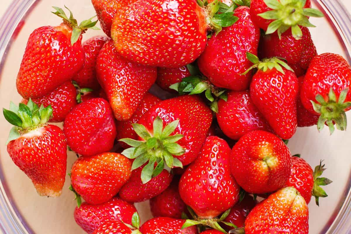 süß, Obst, Essen, lecker, Ernährung, Blatt, Erdbeere, Beere
