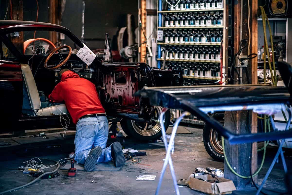 Workshop, průmysl, vozidla, lidé, garáž, úloha, technik, muž