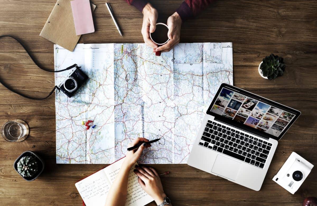 papier, ordinateur portable, bureau, gens, géographie, people, travail, appareil photo