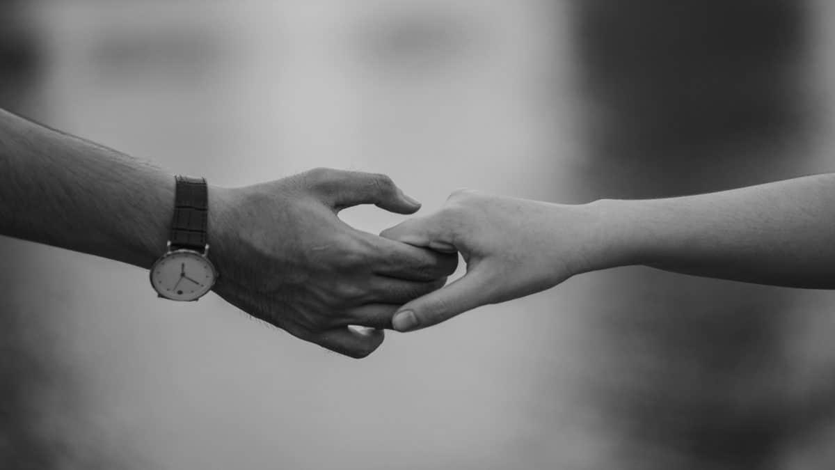 poignée de main, fille, partenariat, gens, femme, homme, monochrome, corps, personne