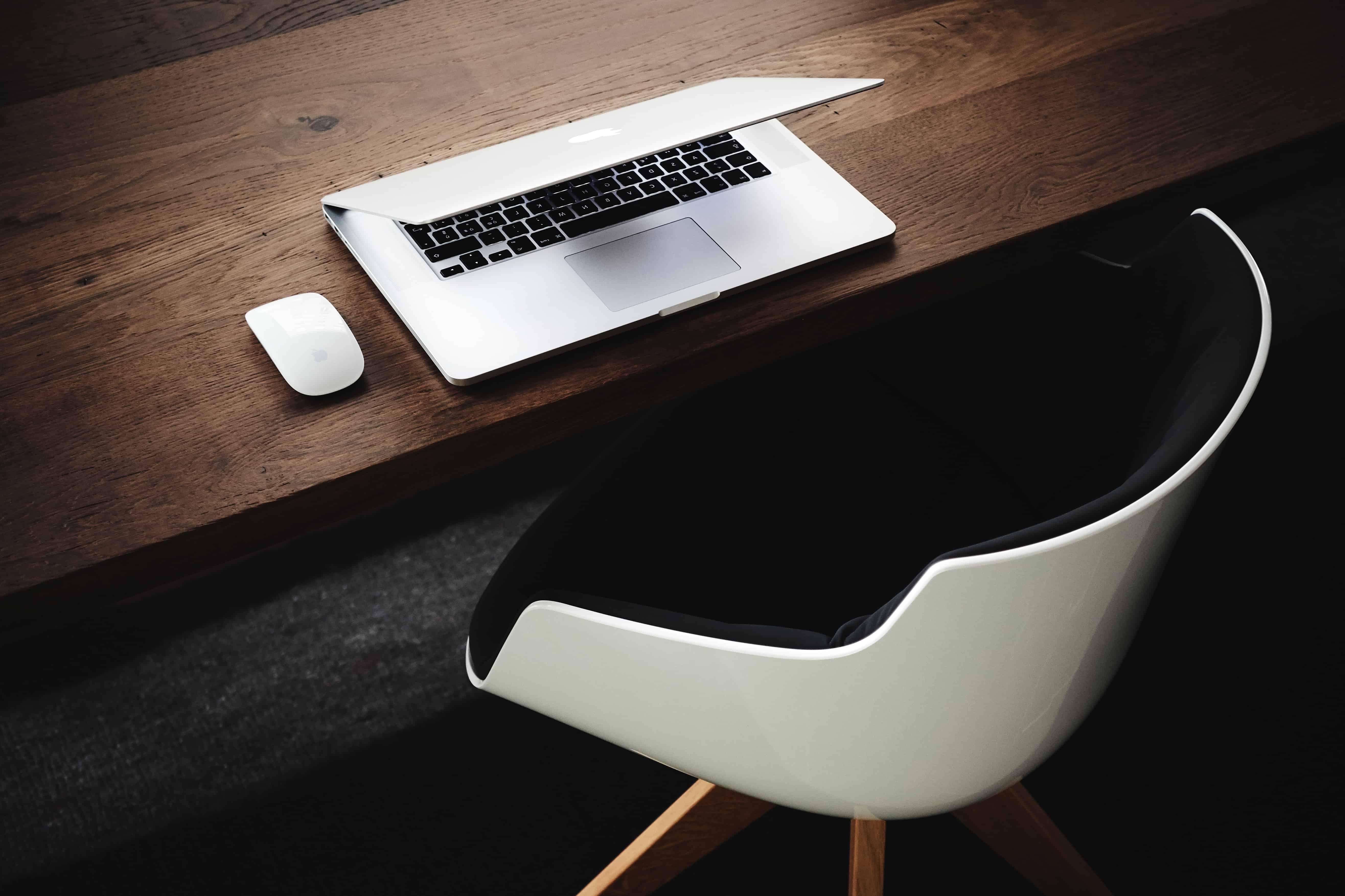 Image libre table d intérieur bureau meubles ordinateur