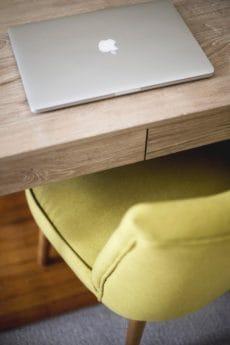 Möbel, Tisch, indoor, Schreibtisch, Laptop, Boden, Computer, aus Holz