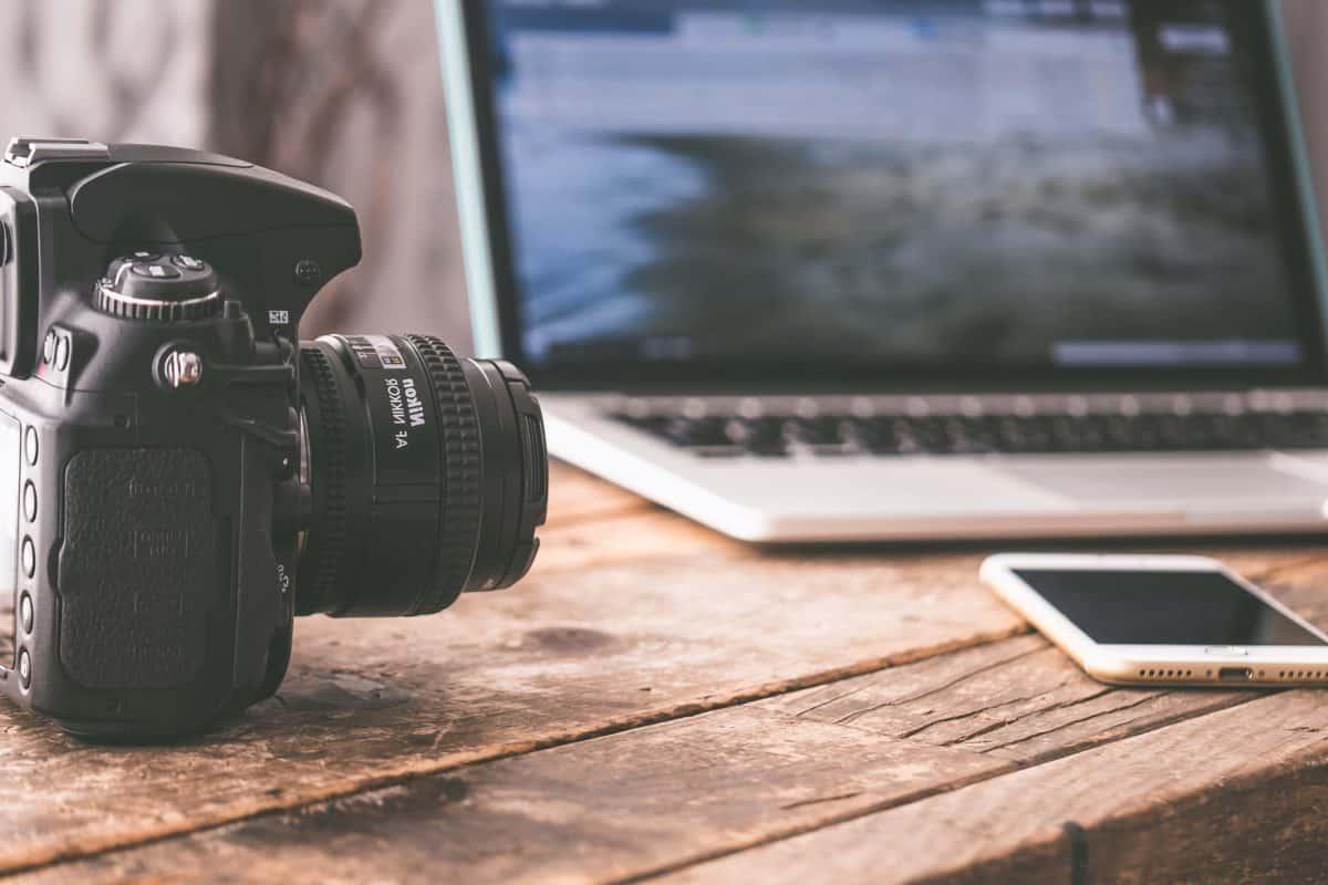 appareil photo, ordinateur, bois, téléphone mobile