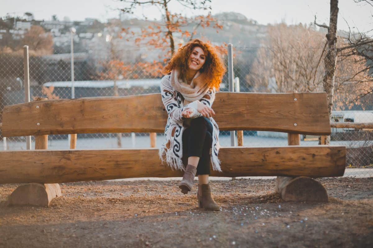 bench, woman, smile, face, autumn, attractive, fashion, person, outdoor, ground