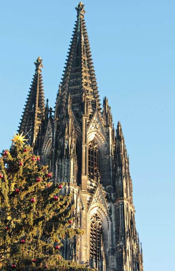 kostelní věž, modrá obloha, náboženství, katedrála, architektura, město, věž