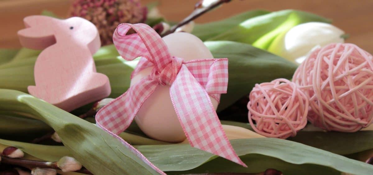 Huevo de Pascua, arreglo, tela, cinta, flor, primavera, decoración, conejo