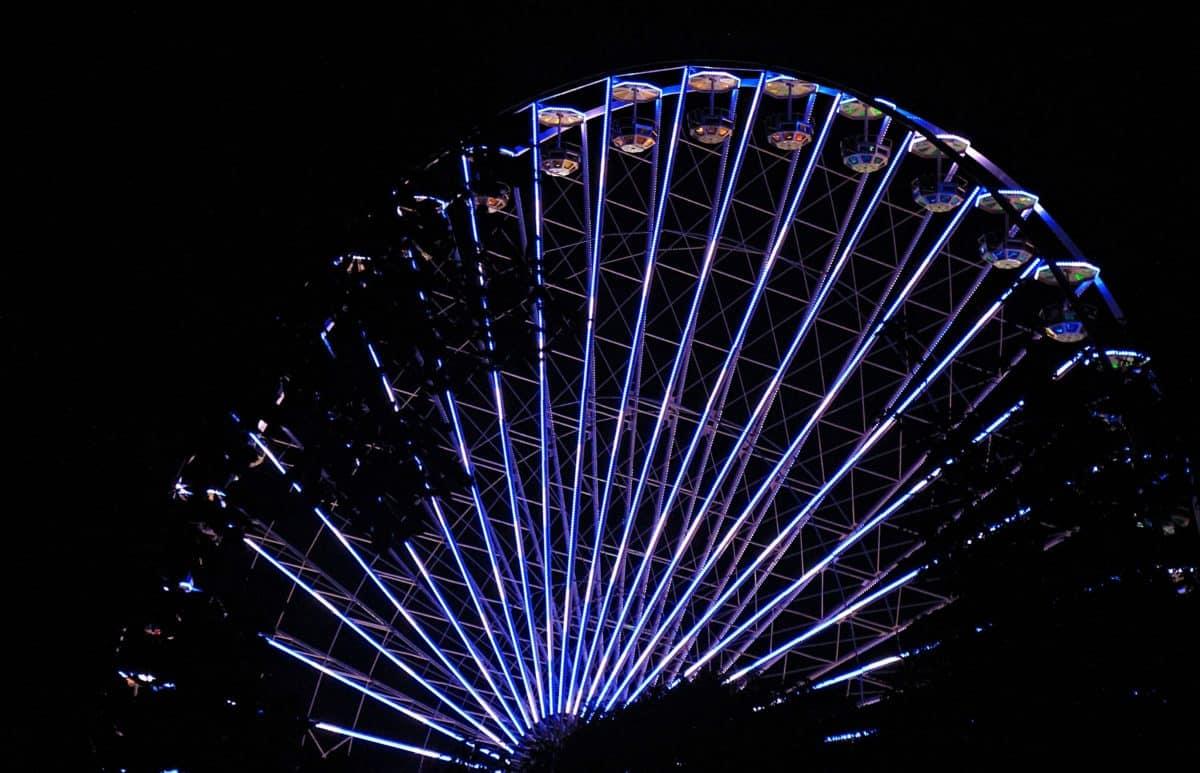 Парк развлечений, фестиваль, возбуждение, карнавал, освещение, свет, ночь, цирк, развлечения