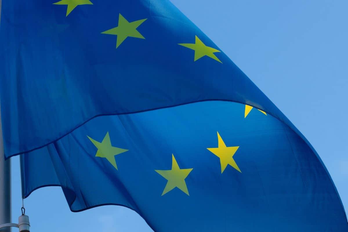 Europe Uniji, zastava, vjetar, patriotizam, domoljub, amblem, plavo nebo