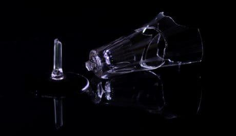 暗い、ガラス、反射、壊れやすい、闇が壊れて