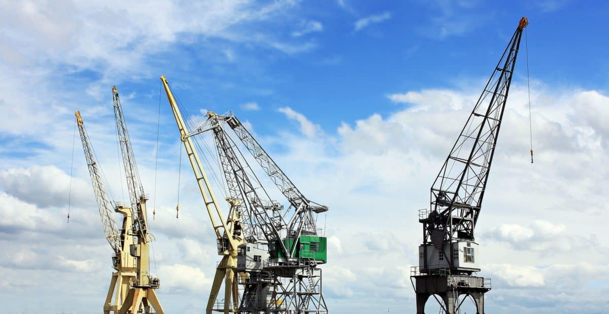 Sky, fotomontage, maskin, utrustning, kran, industri, stål