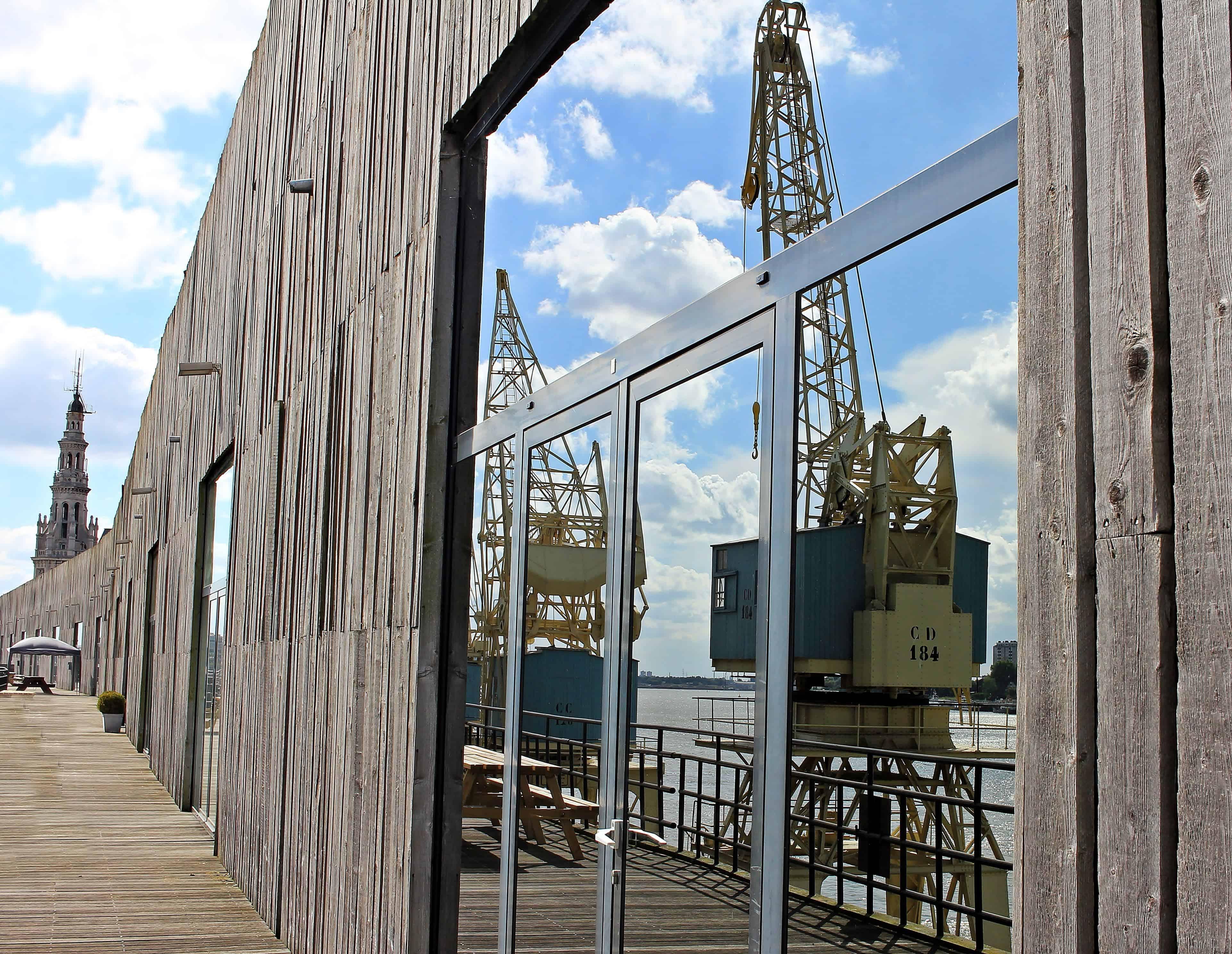 Foto gratis: architettura struttura vetro riflessione gru