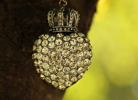crown, tree, jewelry, outdoor, metal, object, still life, love, reflection