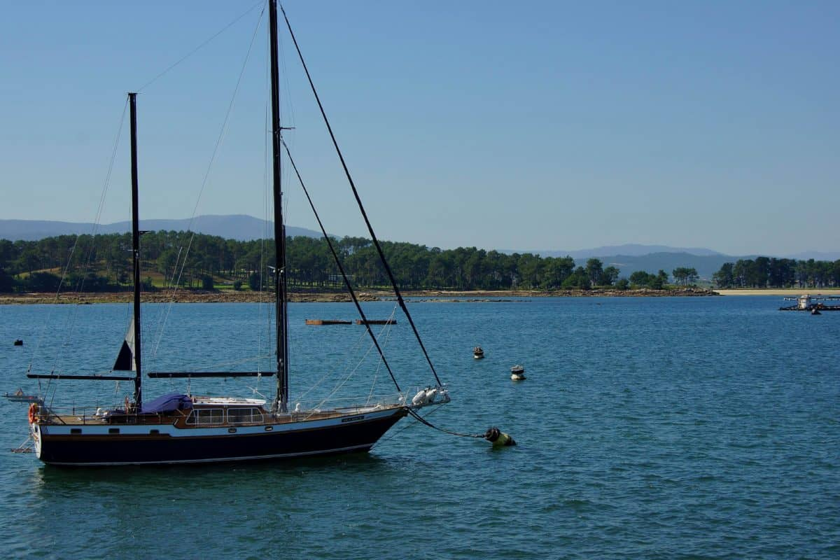 vehicle, boat, watercraft, sea, blue sky, seashore, water, ship, ocean