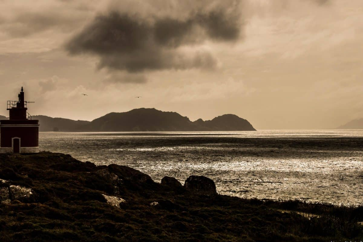 monochrome, sepia, sunset, ocean, sea, water, lighthouse, dawn, beach, seascape