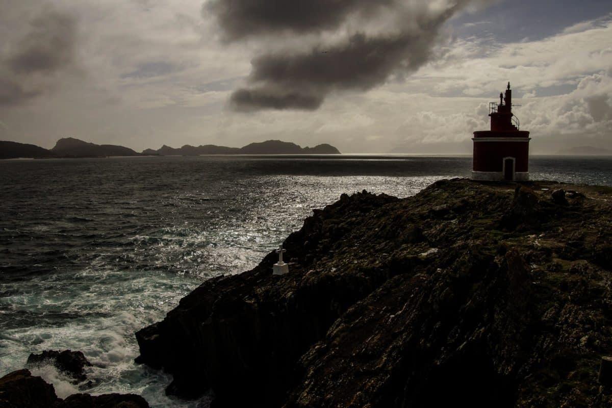 ocean, sepia, monochrome, sea, water, dawn, sunset, lighthouse, seashore, beach