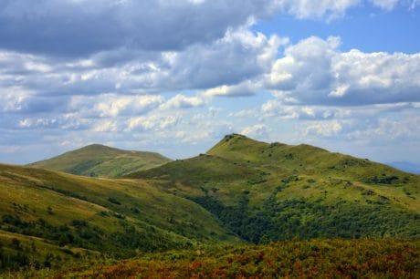 blå himmel, landskab, hill, natur, bjerg, udendørs, grønne græs, valley