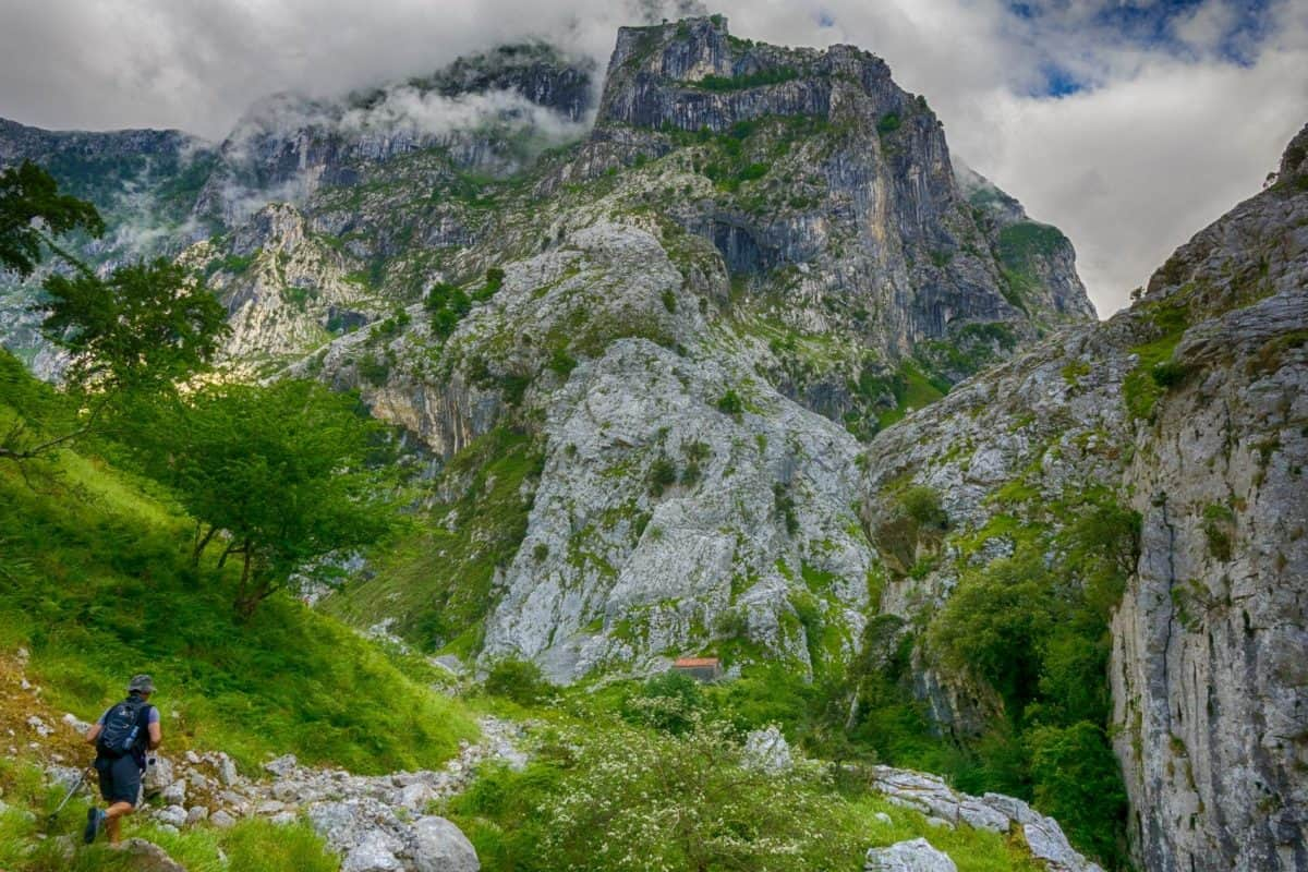 national park, mountain climbing, valley, sky, hike, nature, landscape, mountain, tree, outdoor