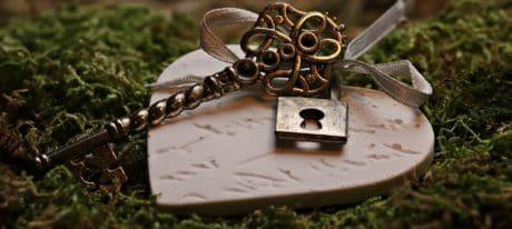 hart, metaal, sleutel, mos, romantiek, hangslot