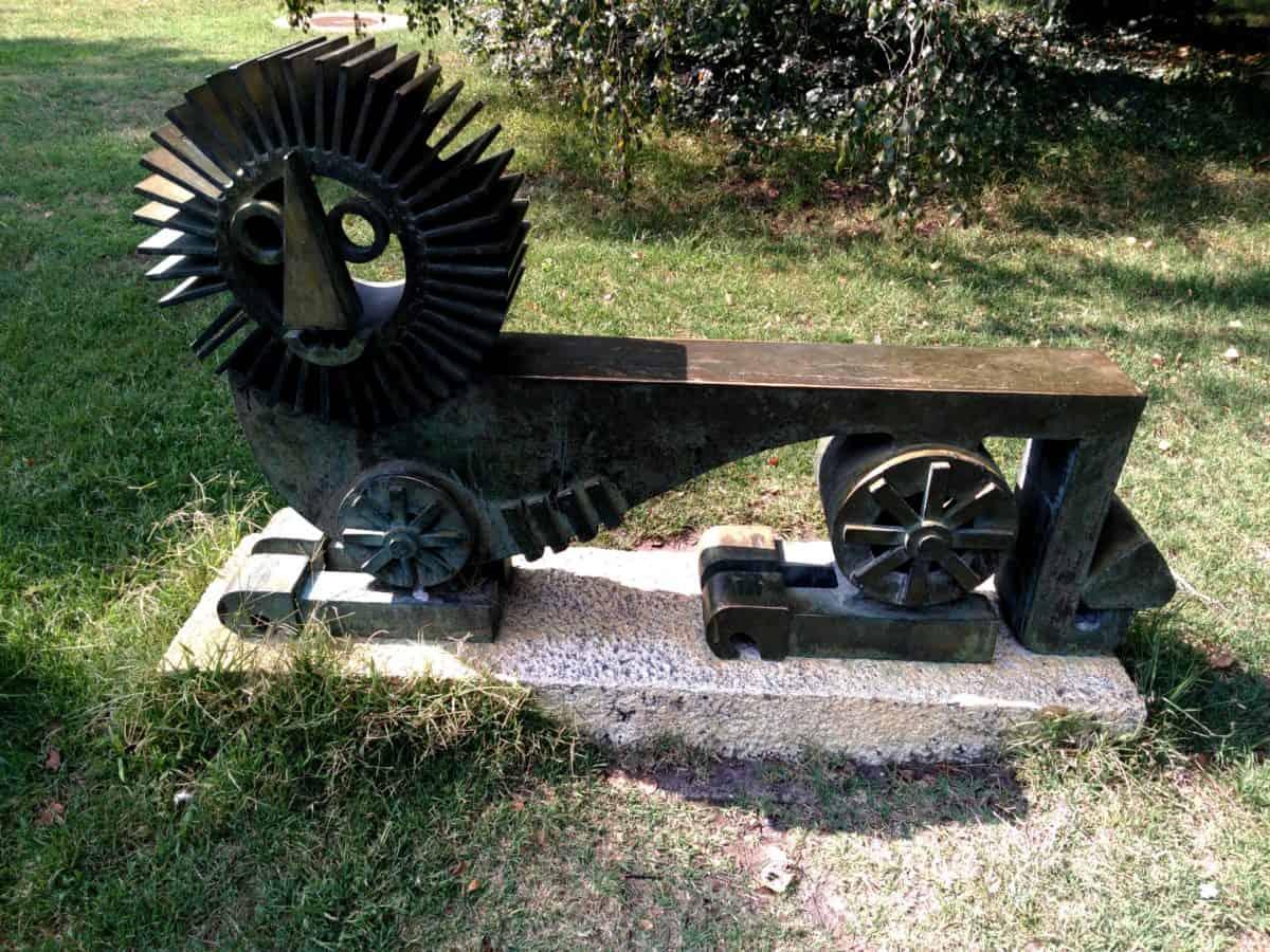 sculpture, cast iron, iron, steel, art, grass, outdoor