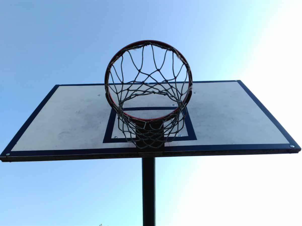 Přívěsek, basketbal, modrá obloha, koule, vybavení, sport