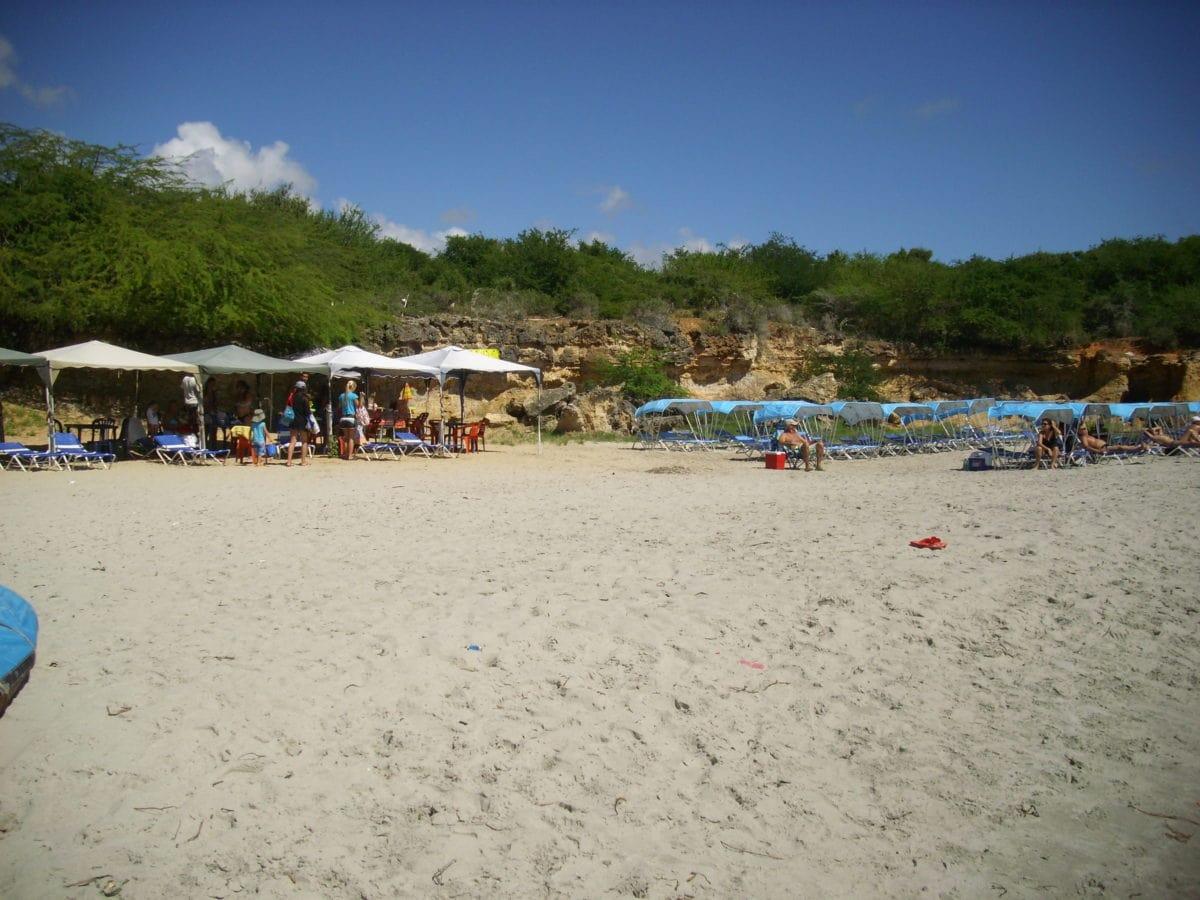 Playa, arena, océano, Costa, agua, mar, paraguas, gente