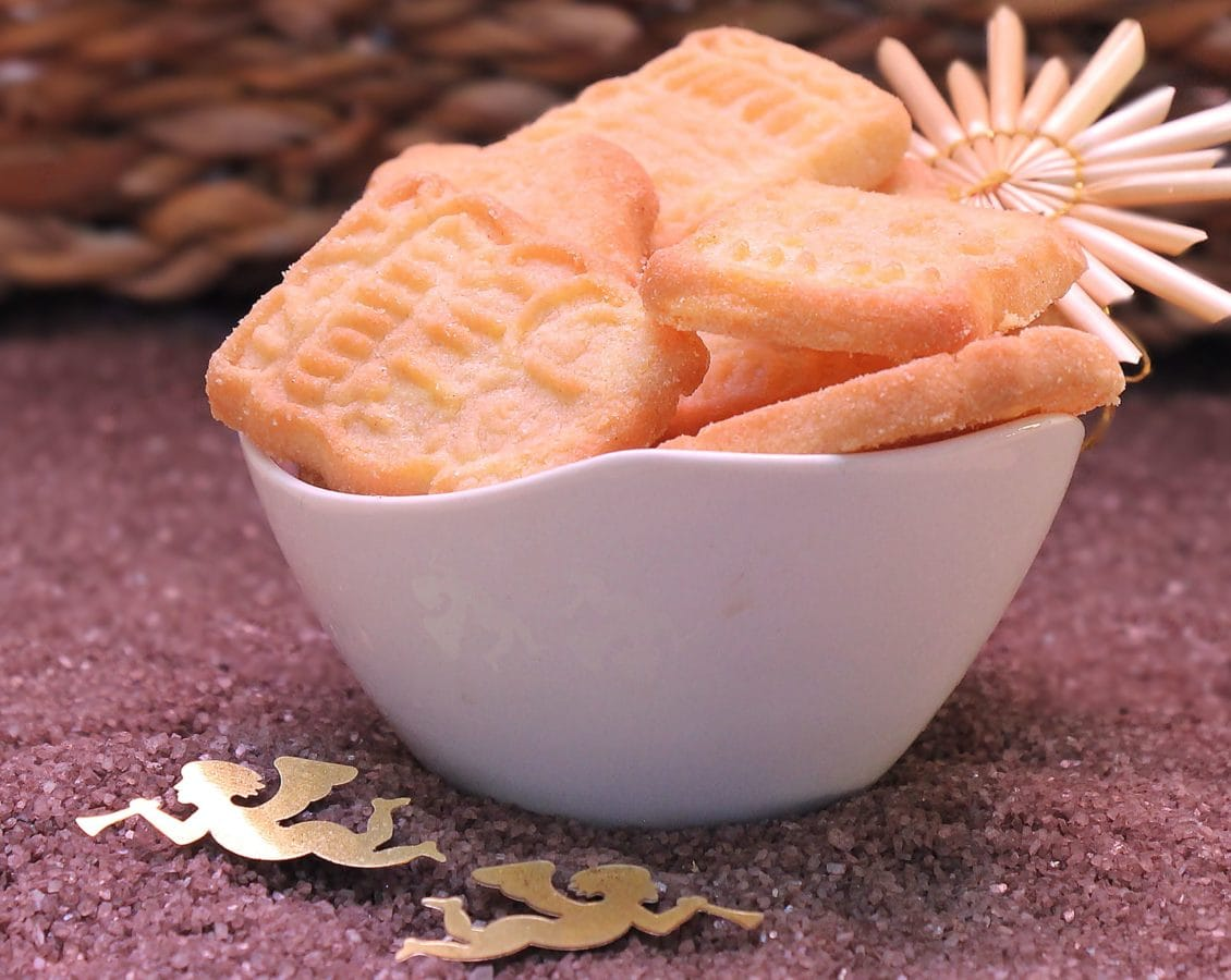 food, biscuits, delicacy, food, delicious, sweet, bowl