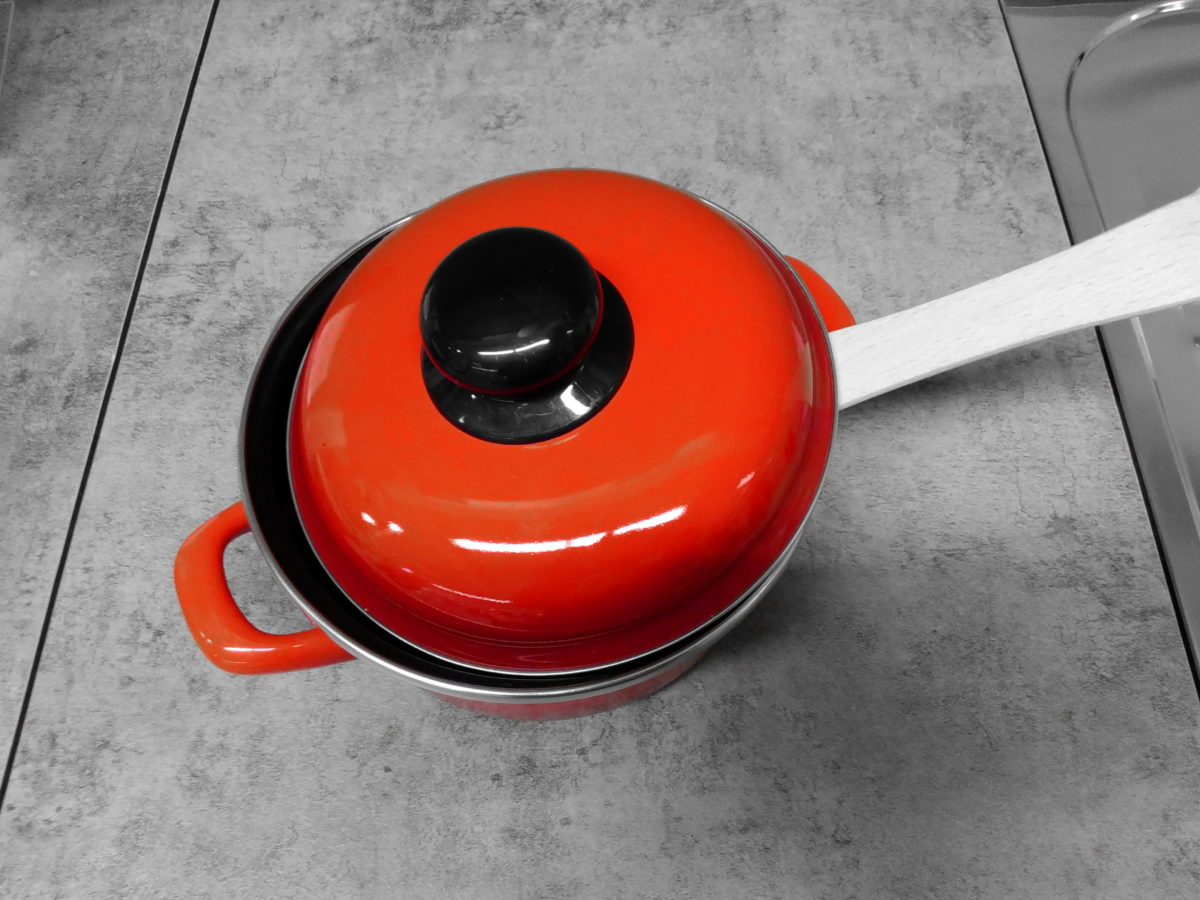 kitchen table, kitchenware, metal, object, red, material