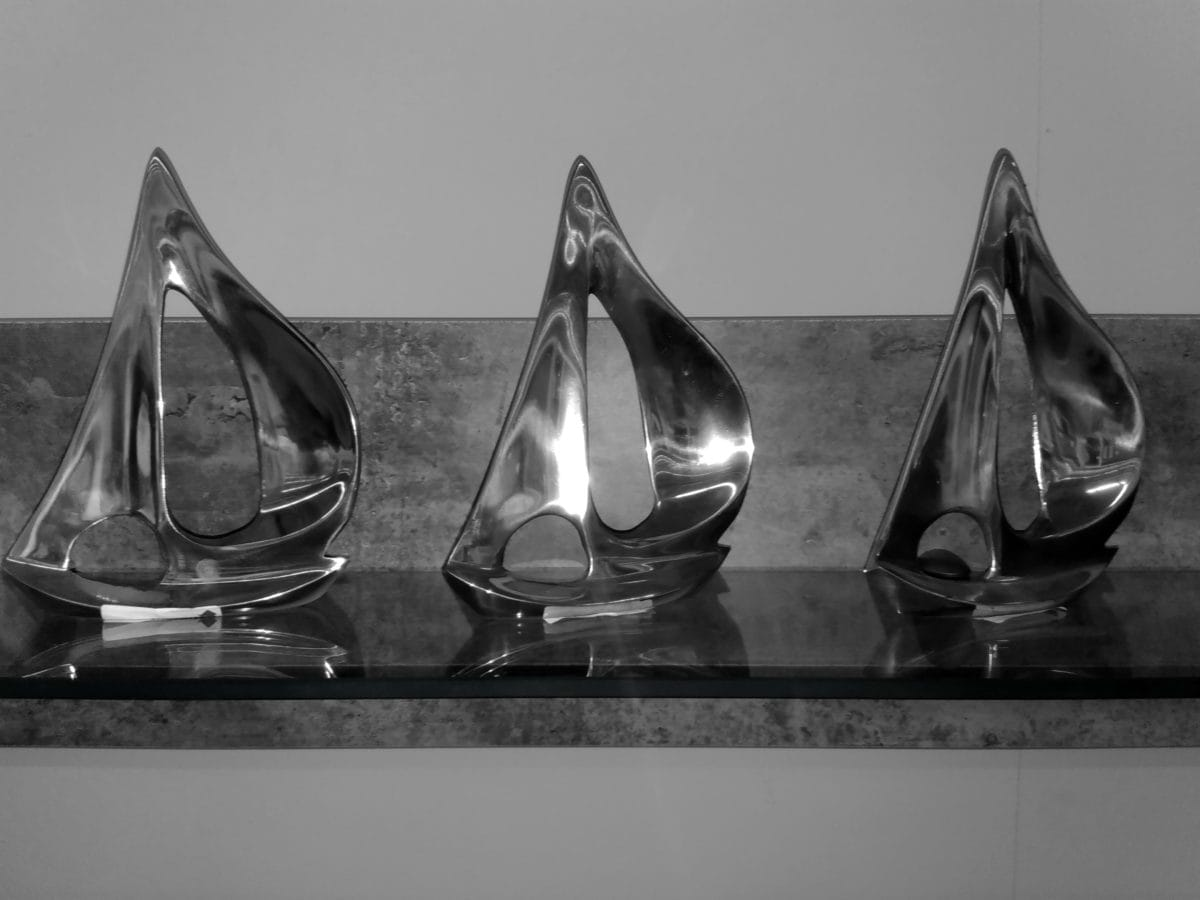 sculpture, art, decoration, shelf, metallic, object, monochrome, design