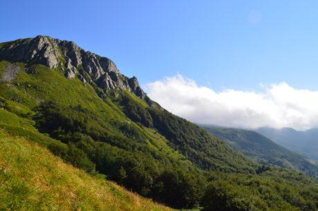 natur, blå himmel, landskap, fjelltopp, utendørs, grønt gress