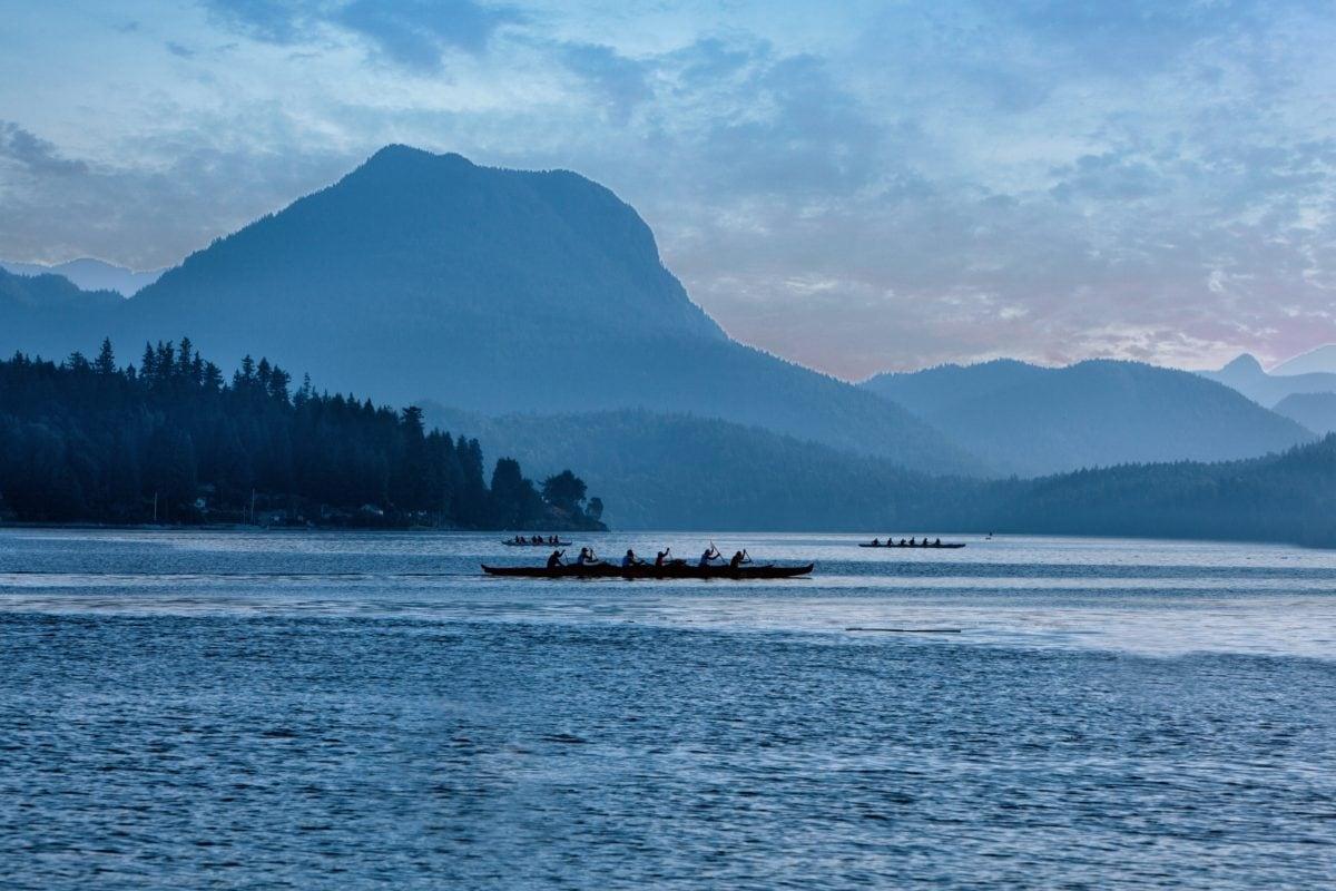 nature, bay, fog, dusk, landscape, water, lake, mountain, boat, ocean, sea