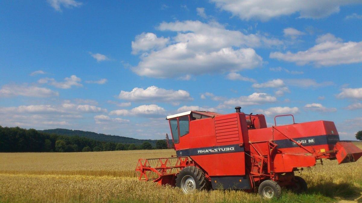 Maschine, Feld, Landwirtschaft, Fahrzeug, Ausrüstung, Wheatfield, blauer Himmel