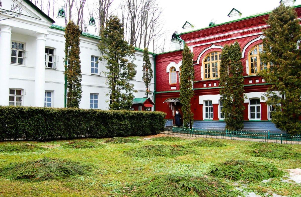architecture, lawn, home, facade, exterior, house, garden, residence, grass
