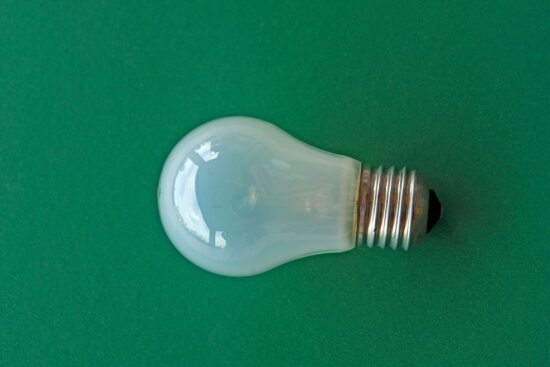 light bulb, electricity, energy, inspiration, white, invention, object, metal, glass