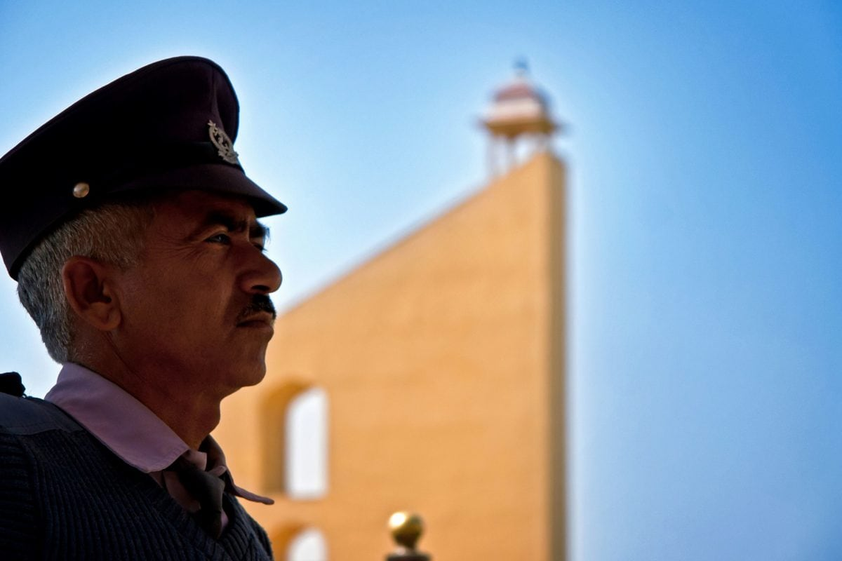 man, portret, persoon, officier, blauwe hemel, gebouw